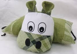 Látková kravička pro děti z šicí dílny Centra Kosatec